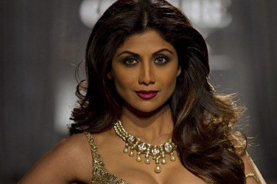اداکارہ شلپاشیٹھی بڑی پریشانی میں پھنس گئیں