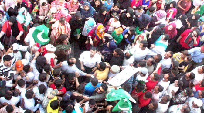 کراچی میدان جنگ بن گیا, 20رہنماءگرفتار،حالات کشیدہ