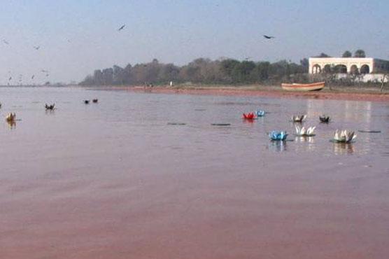 دریائے سندھ میں المناک حادثہ, کئی قیمتیں جانیں ضائع