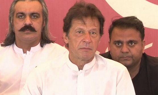 عمران خان نے مجھے بھی نازیبا پیغامات بھیجے, عائشہ گلالئی کے بعد اہم شخصیت کے بھی کپتان پر سنگین الزامات لگادئیے