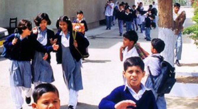 سندھ، بلوچستان اور خیبرپختونخوا میں موسم گرما کی تعطیلات ختم ہونے کے بعد تعلیمی ادارے کھل گئے