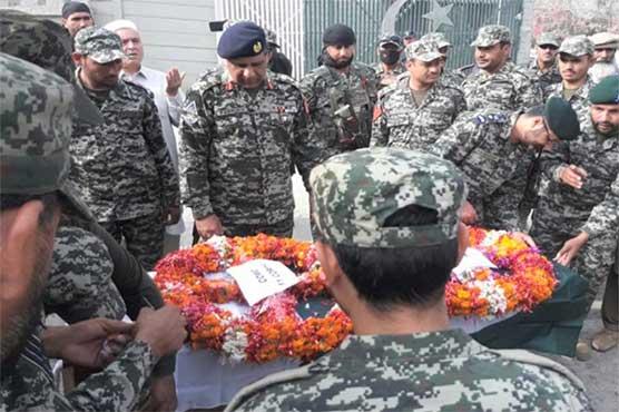 جلال آباد میں قتل کیے گئے پاکستانی سفارتکار کی میت اسلام آباد پہنچا دی گئی