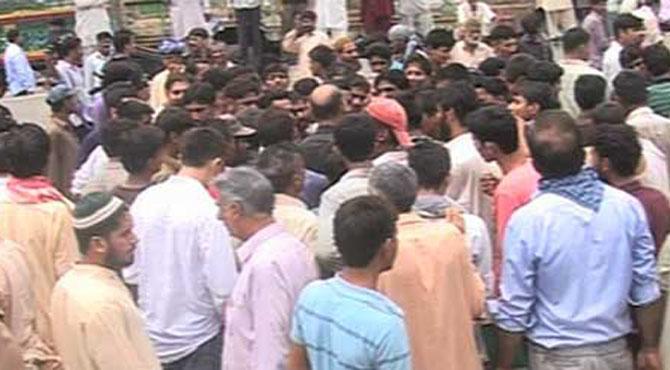 مال روڈ اور شاہدرہ میں بدستور دھرنا جاری ، مظاہرین کیا چاہتے ہیں؟؟