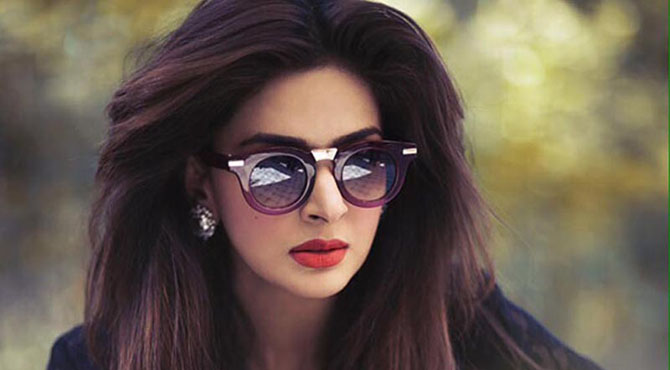 "احسن خان' صبا قمر کی فلم "" مومل رانو "" آج  پاکستان فلم فےسٹےول مےں پےش کی جائےگی"