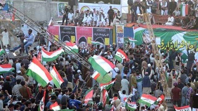 مال روڈ لاہورپرطاہرالقادری کے جلسے کی تیاریاں، انتظامیہ کا اجازت دینے سے انکار