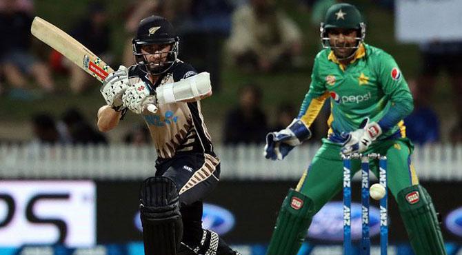 نیوزی لینڈ میں پاکستان کو بدترین شکست کے بعد وسیم اکرم نے باﺅلرز کوبہترین مشورہ دیدیا