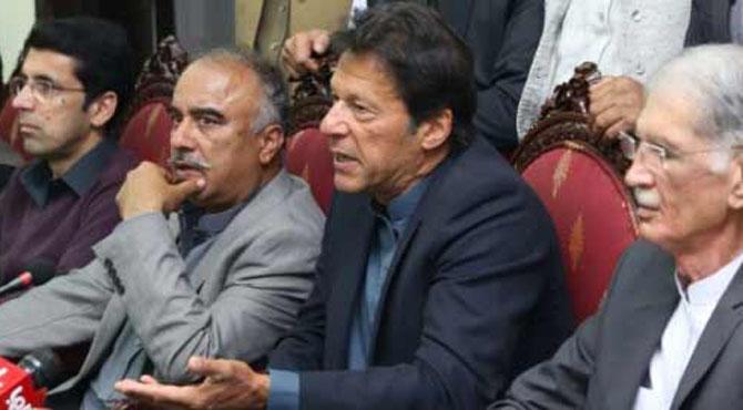 سینیٹ الیکشن میں پیسہ چلتا ہے، مجھے بھی رقم لینے کی پیشکش ہوئی، عمران خان