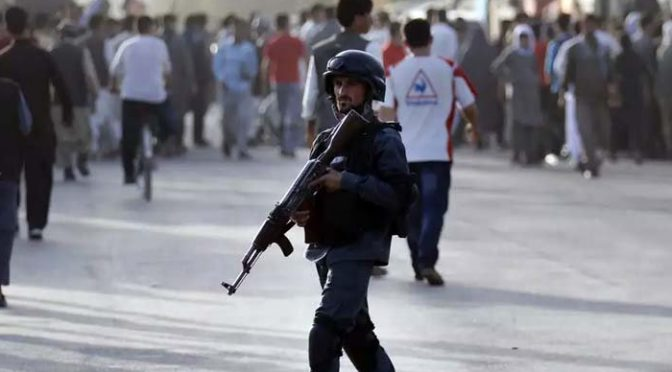 افغانستان میں پارلیمانی انتخابات کیلئے پولنگ جاری، شدت پسندوں کے حملے میں 4 پولیس اہلکار ہلا ک