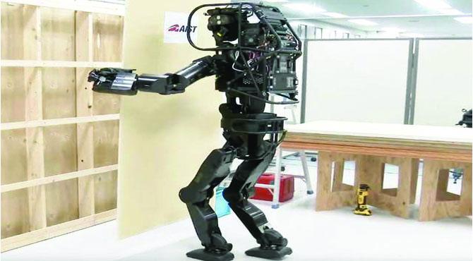 جاپان میں مزدوروں کی کمی دور کرنے کیلیے مستری روبوٹ تیار