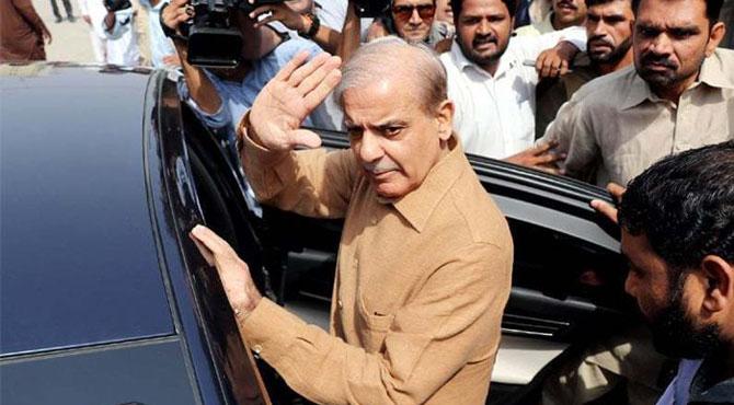 پولیس ٹیم شہباز شریف کو لاہور سے لے کر اسلام آباد پہنچ گئی
