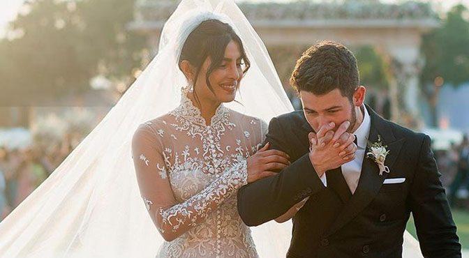 پریانکا کے عروسی جوڑے نے تاریخ رقم کردی