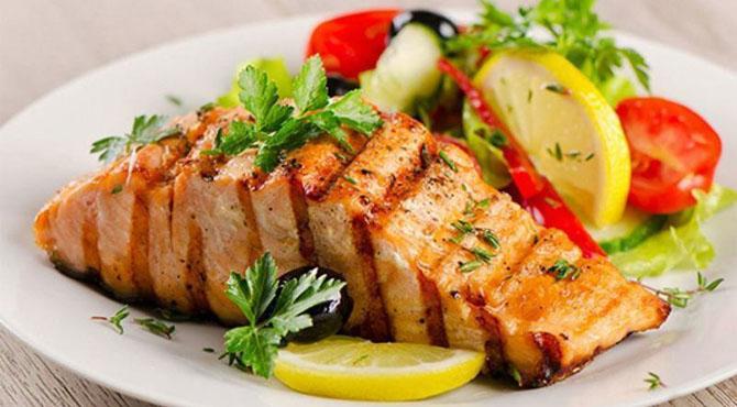 کیا مچھلی کو صرف 'ر' والے مہینوں میں کھانا چاہئے؟