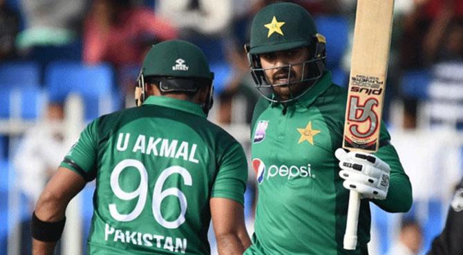 پہلا ون ڈے؛ پاکستان کا آسٹریلیا کو 281 رنز کا ہدف
