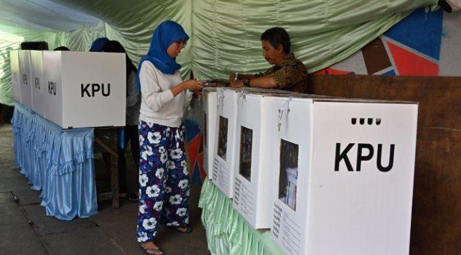 انڈونیشیا میں صدارتی، پارلیمانی اور بلدیاتی انتخابات کے لیے پولنگ
