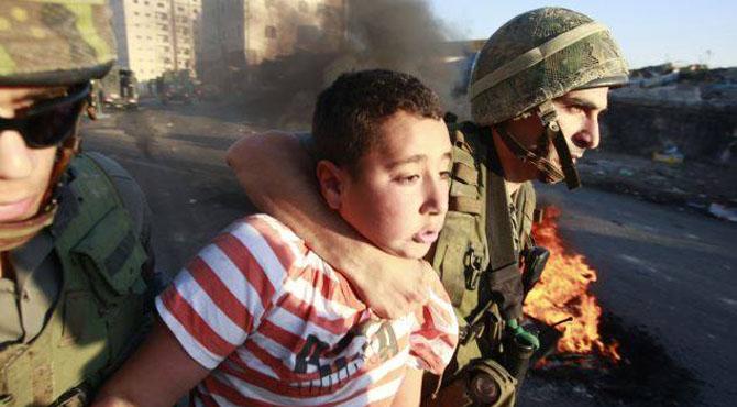 فلسطینی بچوں پر وحشیانہ تشدد 'پنجروں میں قید