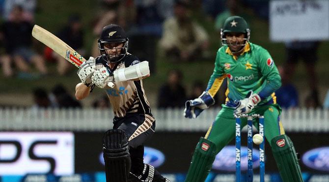 پاکستان کو ڈک ورتھ لوئس میتھڈ کے ذریعے نیوزی لینڈ سے شکست