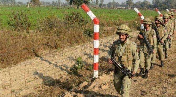 ورکنگ باوٴنڈری پر بھارت کی بلااشتعال فائرنگ، جوابی کارروائی میں بھارتی فوجی ہلاک