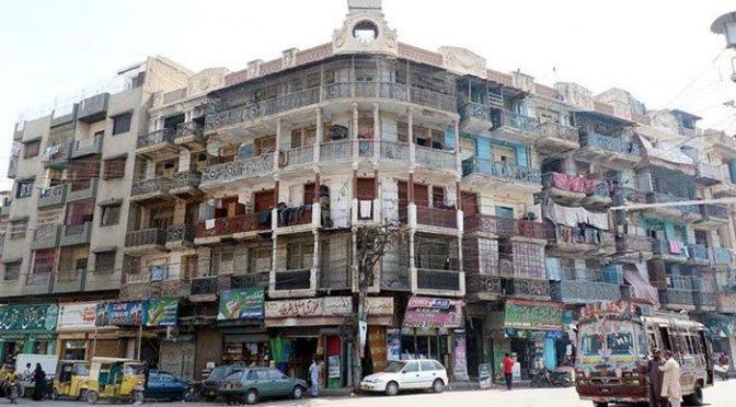 کراچی: مختلف علاقوں میں گھروں میں قائم دکانوں کو بھی مسمار کرنے کا نوٹس