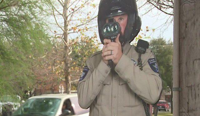 امریکا میں ٹریفک جرائم سے نمٹنے کیلیے سڑکوں پر گتے کے سپاہی تعینات