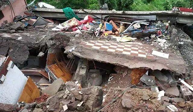 بھارت میں مون سون بارشوں سے 11 بھارتی فوجی اور 2 شہری ہلاک