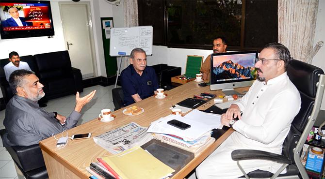ضیا شاہد ، امتنان شاہد کی صمصام بخاری سے ملاقات میں سیاسی نکات پہ اہم گشت و شنید