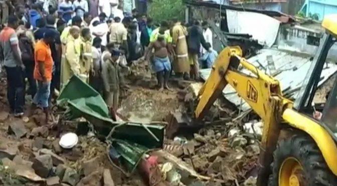بھارتی ریاست تامل ناڈو میں کمپاؤنڈ کی دیوار گھروں پر آ گری، 15 افراد ہلاک
