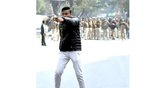 نئی دہلی ،جنونی کی شہریت بل کے خلاف مظاہرہ پر فائرنگ