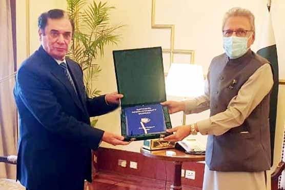 نیب کا ایمان کرپشن فری پاکستان،صدر مملکت کو چیئرمین نے سالانہ رپورٹ پیش کر دی