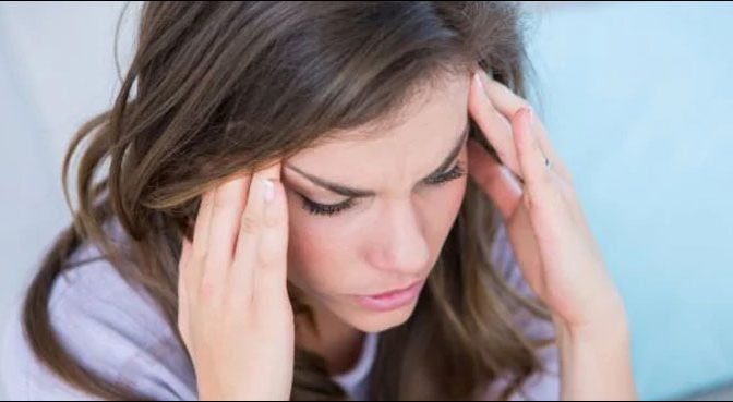 سردرد نے خاتون کو کروڑ پتی بنا دیا، معاملہ کیا ہے؟