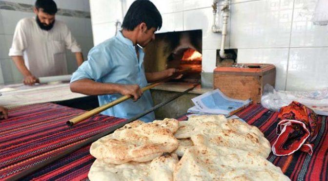 پشاور میں روٹی کی قیمت میں 5 روپے کا اضافہ