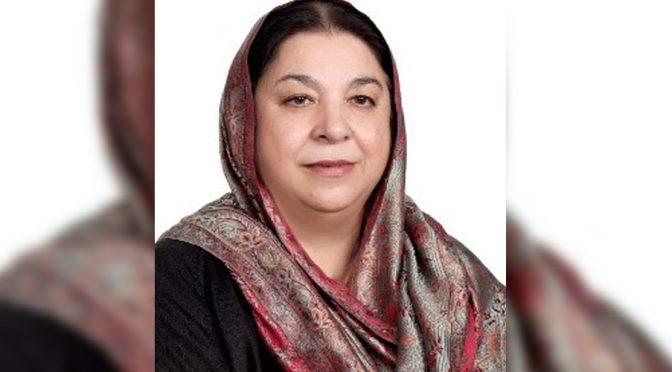 نواز شریف کو سیاست کرنی ہے تو ملک واپس آئیں، یاسمین راشد