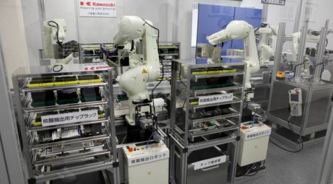 جاپان نے کورونا ٹیسٹ کرنے والے روبوٹ تیار کر لیے