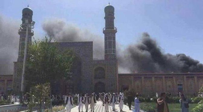 افغانستان میں نماز جمعہ کے دوران مسجد میں دھماکا، 50 افراد جاں بحق